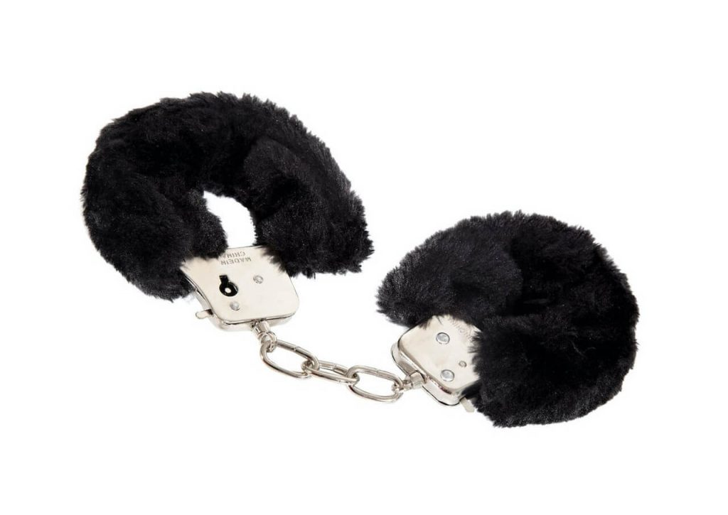 Black furry cuffs handbojor